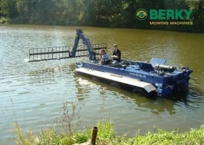 Лодки-амфибии за изгребване и изсмукване тип 6730